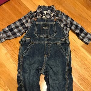 Oshkosh flannel and overall set size 18 months